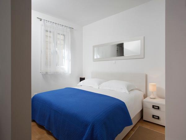 Queen Size Bed - Luxury Studio - Split City Centre - Split - rentals