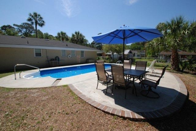 The Pool House - prices listed may not be accurate - Image 1 - Tybee Island - rentals