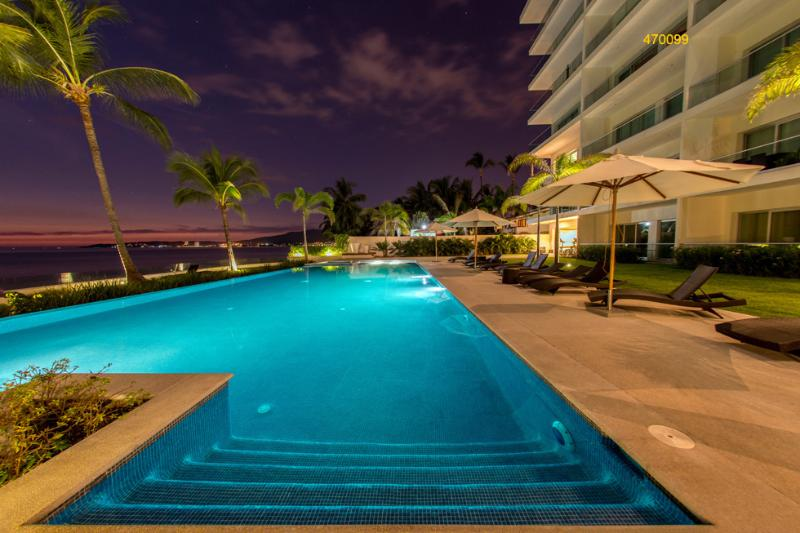 Poolside in the Evening - Beachfront  3 BDR  Condo ~ Booking winter 2015/16 - Bucerias - rentals