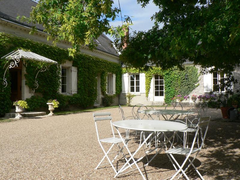 LE CLOS DE LA CHESNERAIE Romantic B&B Loire Valley - Image 1 - Saint-Georges-sur-Cher - rentals