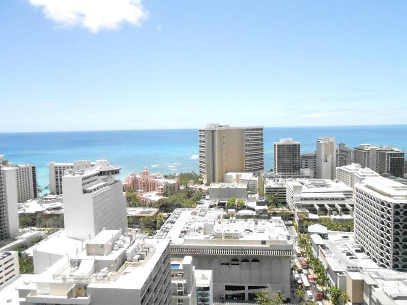 View looking straight at Sheration - Family Ste 2 BD/2BTH Family Suite Ocean Views 3405 - Honolulu - rentals
