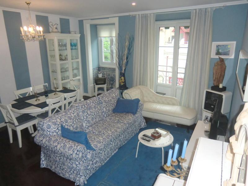 Casa Portas do Sol Lisbon Apartment - Image 1 - Lisbon - rentals