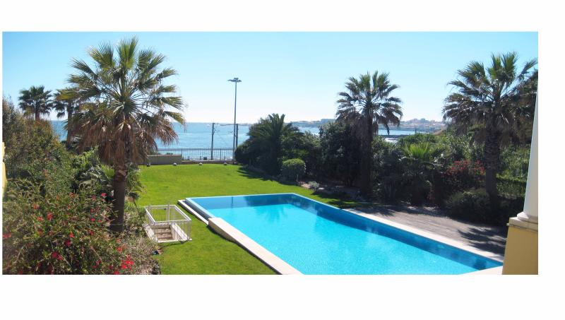 SPECTACULAR SEA FRONT 3 BED APT - Image 1 - Cascais - rentals