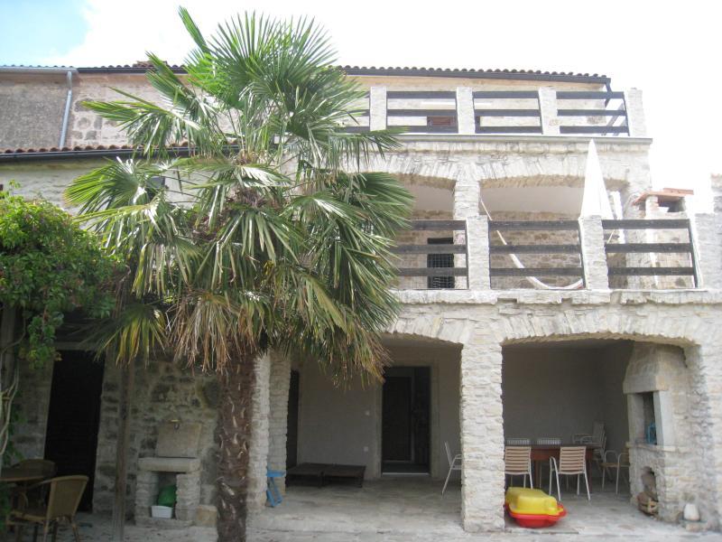 Garden side view on the house - Casa Visinada - Vizinada - rentals