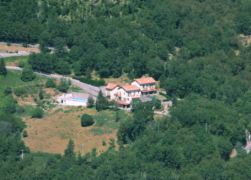 Aerial view of BelBea Tourist Resort at Cà de Berna - Balestrino - Self catering studio up-hill overlooking the sea - Balestrino - rentals