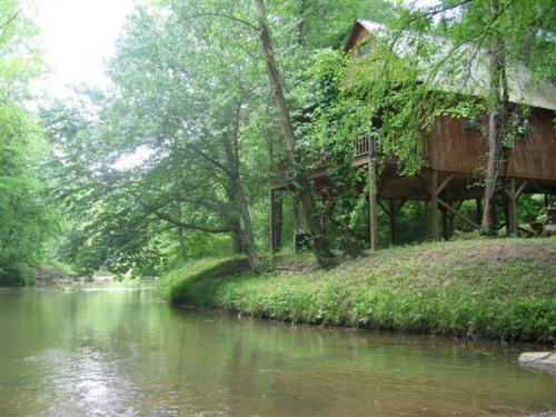 Bear Foot River Cabin - Bear Foot River Cabin on the Tallulah River - Lakemont - rentals