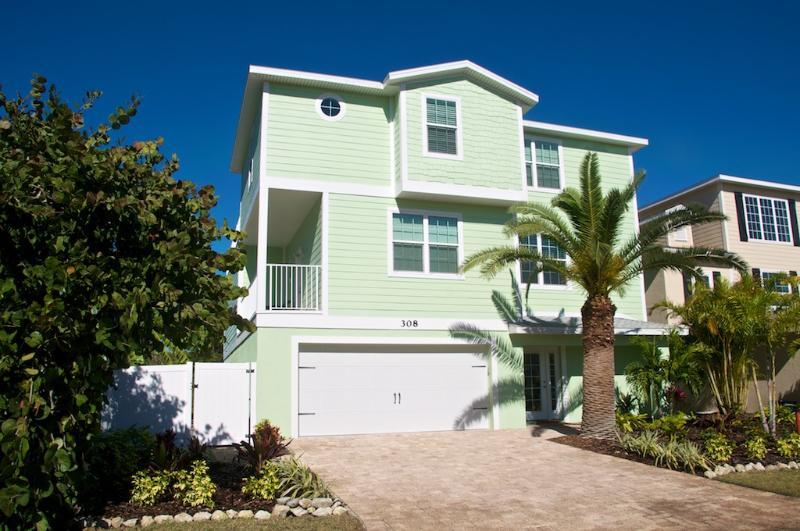 Emerald Seas - Image 1 - Holmes Beach - rentals
