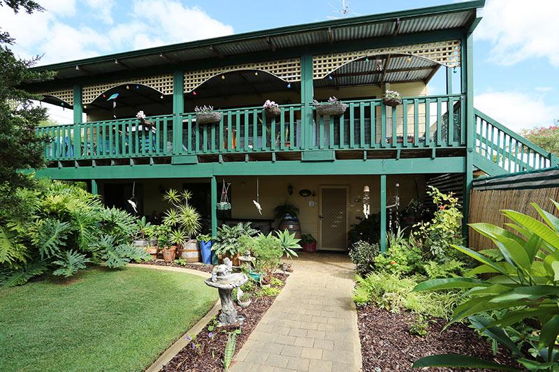 Front entrance - BROADWATER BED AND BREAKFAST - Busselton - rentals