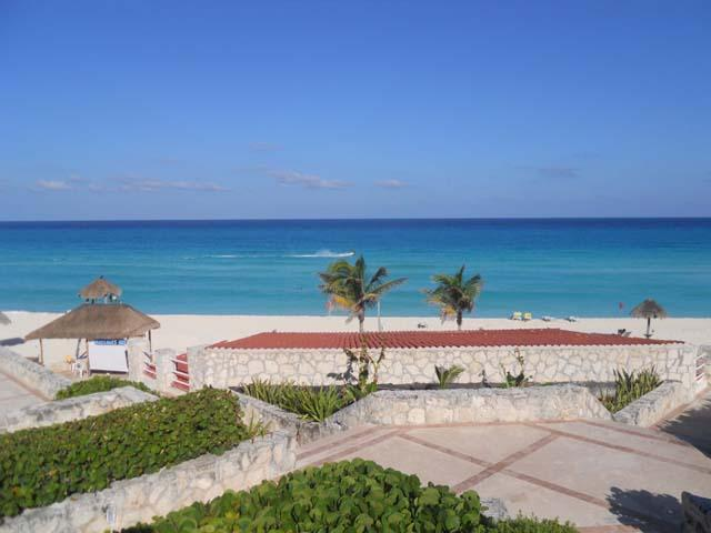 Located on a Beautiful Beach - Cancun Solymar Beachfront Studio in Hotel Zone - Cancun - rentals