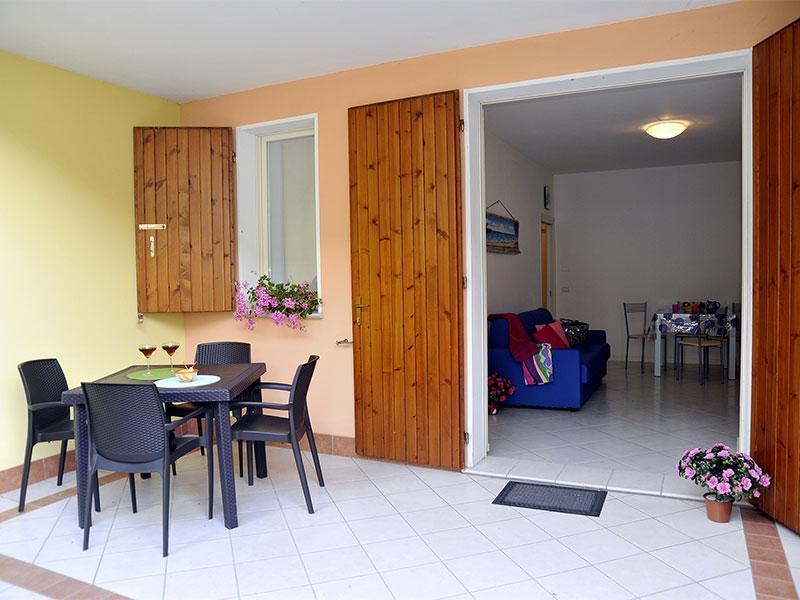 Patio arredato - Porzione di villetta a schiera p.terra con patio - Lido delle Nazioni - rentals