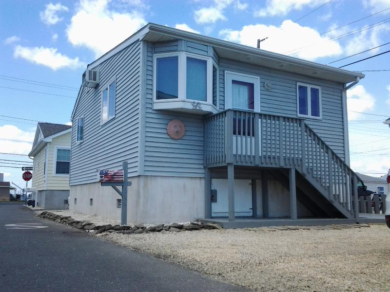 Newer Stunning Beach Home in Lavallette - Gorgeous Jersey Shore Beach Home in Lavallette - Lavallette - rentals