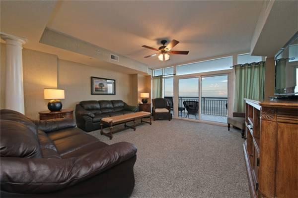 Ocean Blue Resort Luxury 4 Bedroom Condo with a Pool and Terrace - Image 1 - Myrtle Beach - rentals