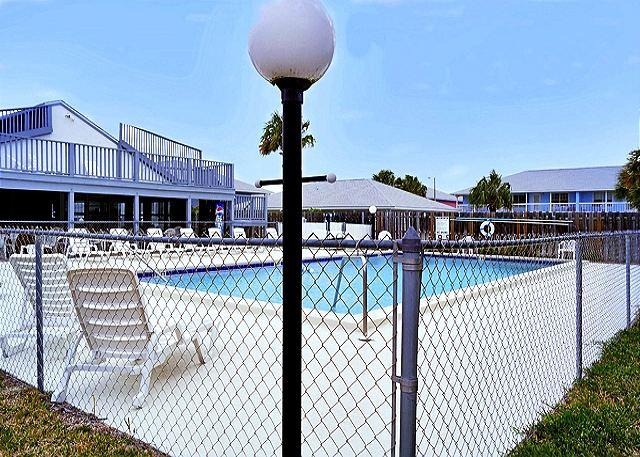 Family Friendly, Great View for 6, Open Week of 4/4 - Image 1 - Panama City Beach - rentals