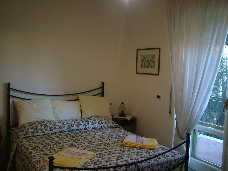Marble double bedroom - Bellaluna - Rome - rentals
