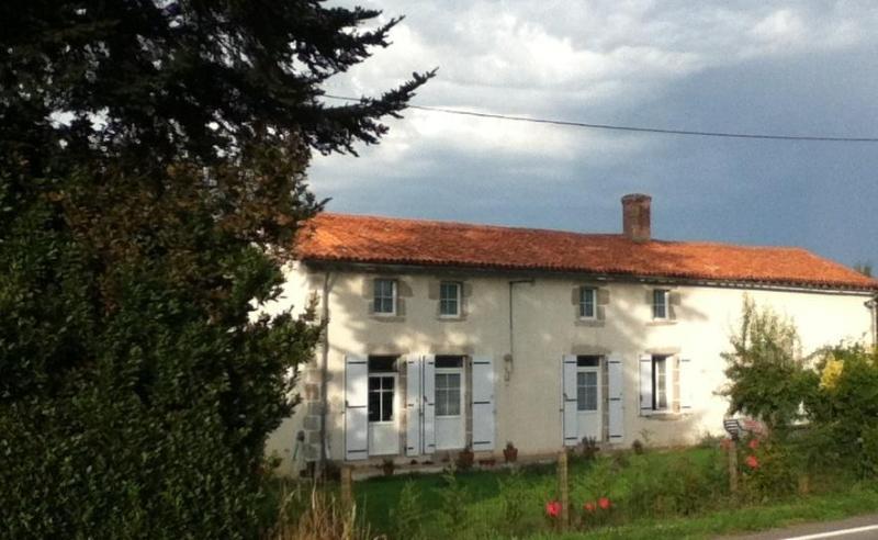Le Chene Rond - Le Chene Rond Chambre d'hote & Gite - Secondigny - rentals