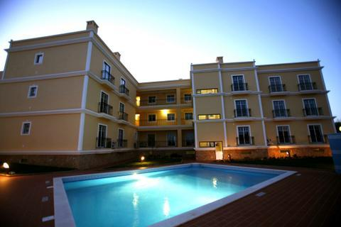 3 Luxury apartments AC/Pool 300 mts from beach - Image 1 - Ferragudo - rentals