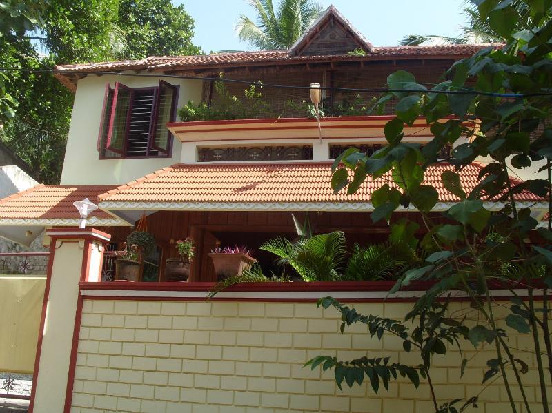 Exterior of Dinu Bhavan - Dinu Bhavan Apartment/Studios close to beach. - Kerala - rentals