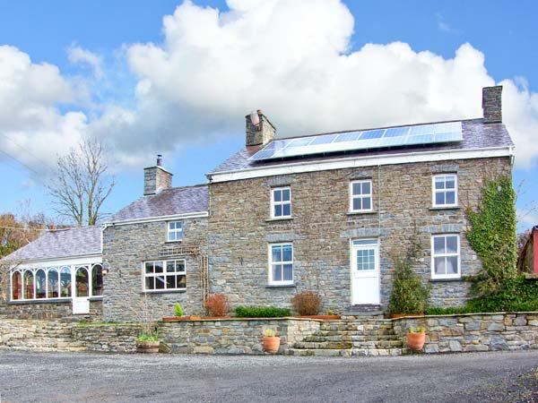 THE FARMHOUSE, pet-friendly character farmhouse, garden, games barn, woodburners, countryside, Aberaeron Ref 19244 - Image 1 - Aberaeron - rentals