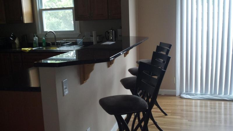 Kitchen Island and Breakfast Bar - Home by the Beaches of Narragansett, RI - Narragansett - rentals