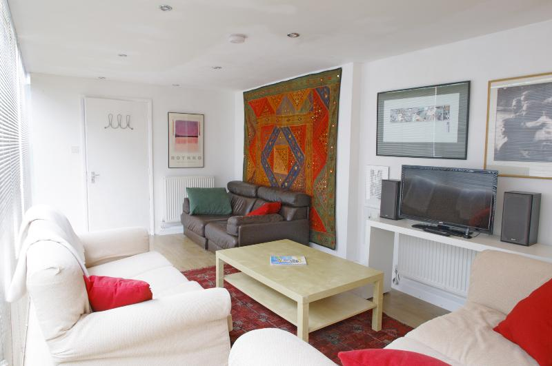 Beautiful 1 Bedroom Townhouse in London - Image 1 - London - rentals