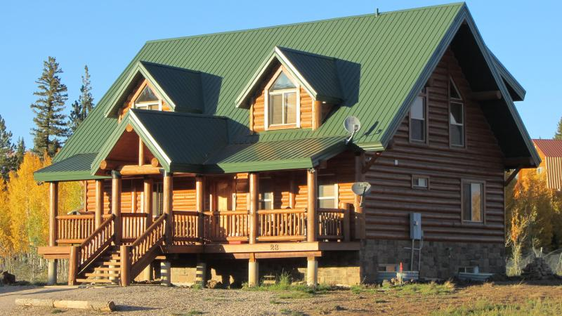 BigHorn Lodge - Luxury Cabin - Aspen in the National Forest Behind - Luxury Cabin by Bryce Canyon & Zion National Park - Duck Creek Village - rentals