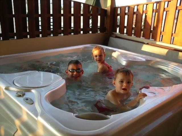 Relax in your private JACUZZI SPA - 5* JACUZZI, HUGE BALCONY penthouse - Paralimni - rentals