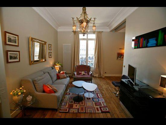 Exceptional 2 Bedroom Parisian Apartment - Image 1 - 1st Arrondissement Louvre - rentals