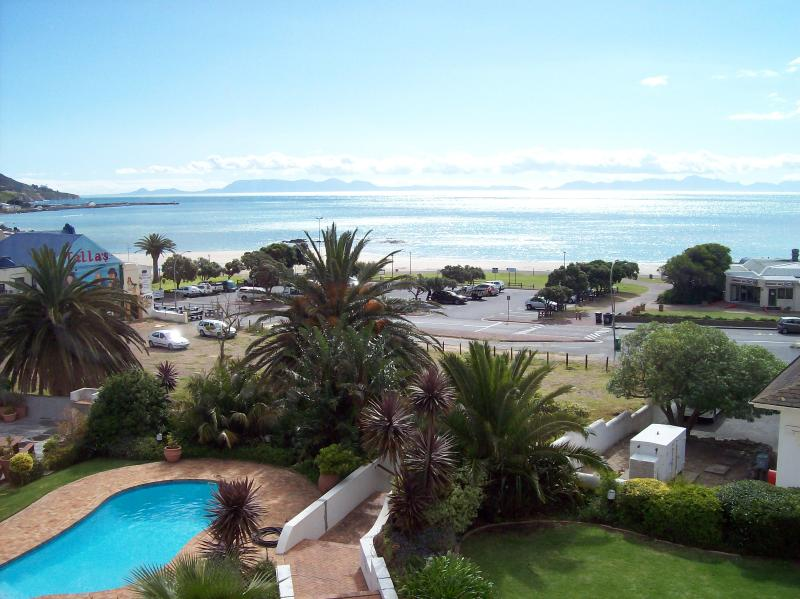 View from Bedroom - 17 Van Riebeeck Apartment - Gordon's Bay - rentals