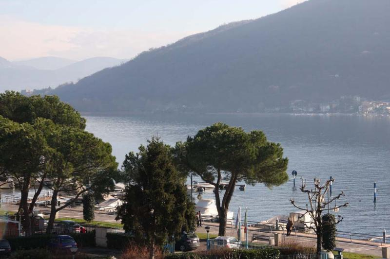 view from balcony - Apartment Lizzy with balcony and view on the lake - Iseo - rentals