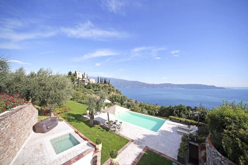 Villa Garda I holiday vacation villa rental italy, lombardy, italian lakes, lake garda, pool, view, olive oil, holiday vacation villa - Image 1 - Toscolano-Maderno - rentals