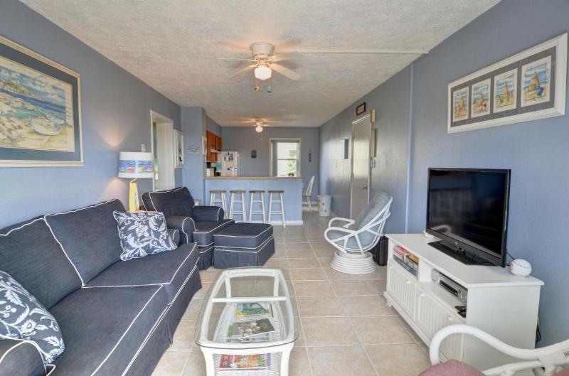 Living Area - Topsail Reef 190 -2BR_6 - North Topsail Beach - rentals