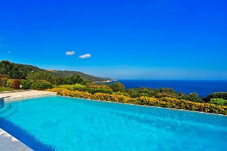 La Reserve-Villa 9, peace and seclusion with infinity pool above the blue sea - Image 1 - Ramatuelle - rentals