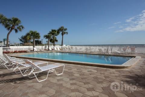 Beachfront Pool Area - 211 - Sandy Shores - Madeira Beach - rentals