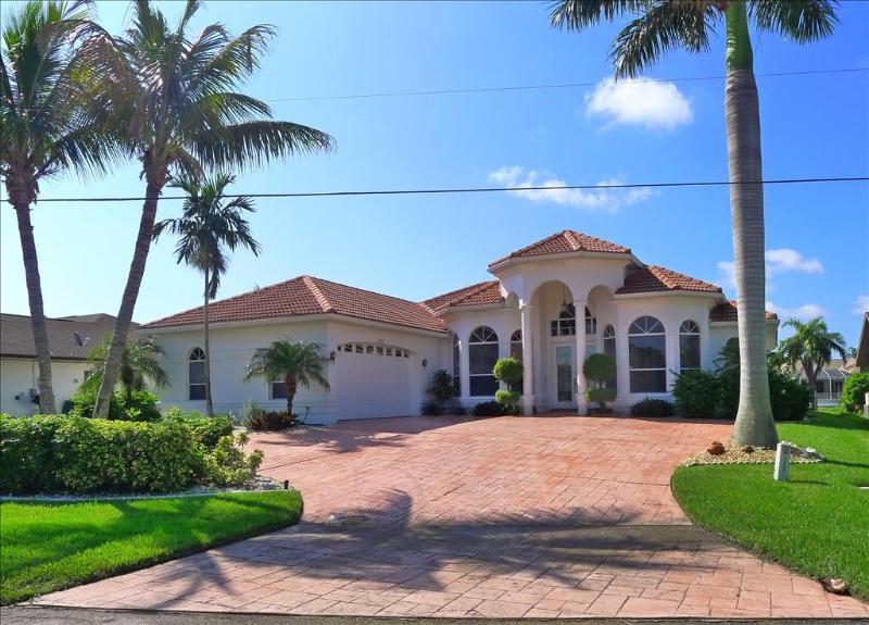 Front - Villa Magnifico - Cape Coral - rentals