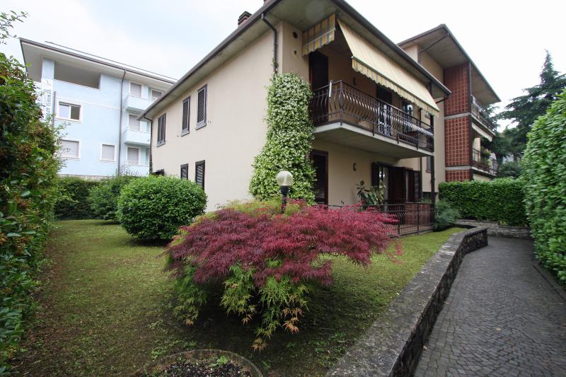 apartment exterior - Apartment Emily panoramic view on the lake front - Iseo - rentals