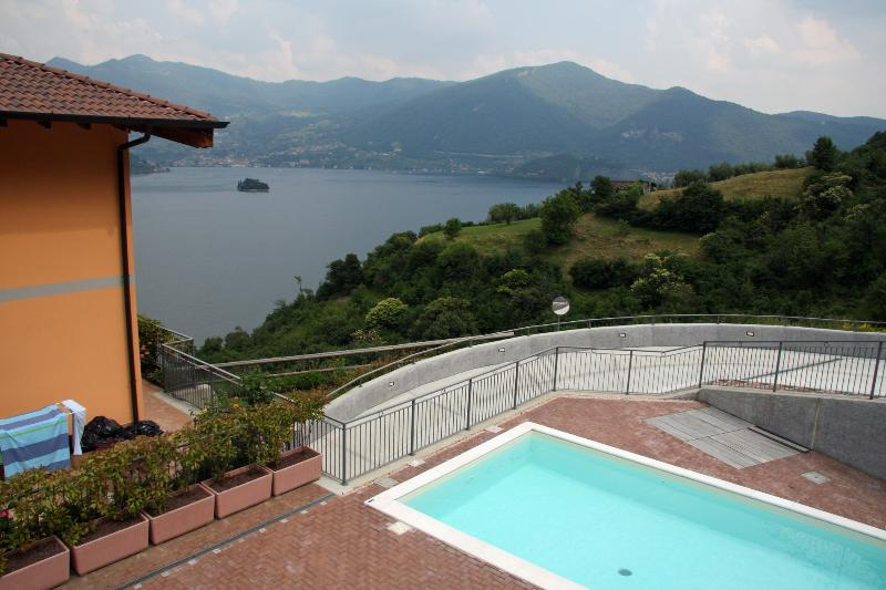 Nice flat with swimming pool and view on Lake Iseo - Image 1 - Iseo - rentals