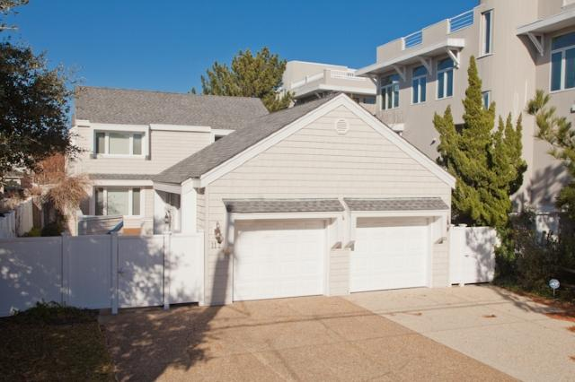 Front Exterior - 117 84th Street - North End Oceanside - Virginia Beach - rentals
