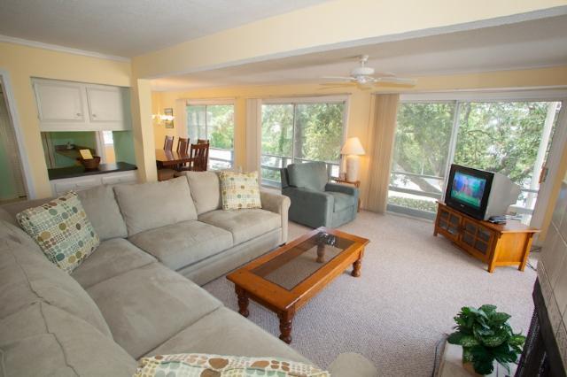 Living area - 112 B 74th Street - Virginia Beach - rentals