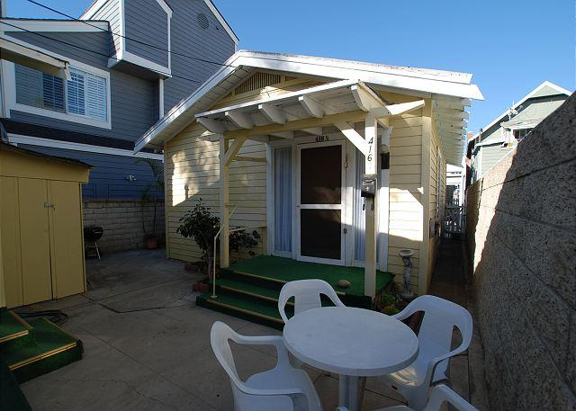 Cute 1 Bedroom Beach Bunglow! Walk to Balboa Pier! (68296) - Image 1 - Newport Beach - rentals