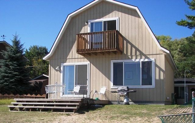 Beach Club Beach House. - Image 1 - Oscoda - rentals