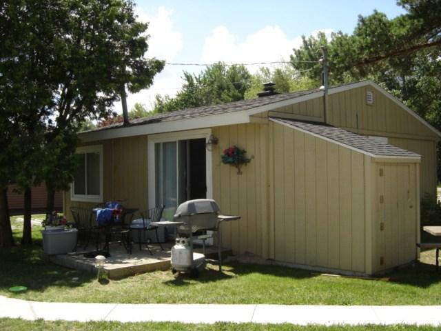 Beach Club Garden Cottage. - Image 1 - Oscoda - rentals