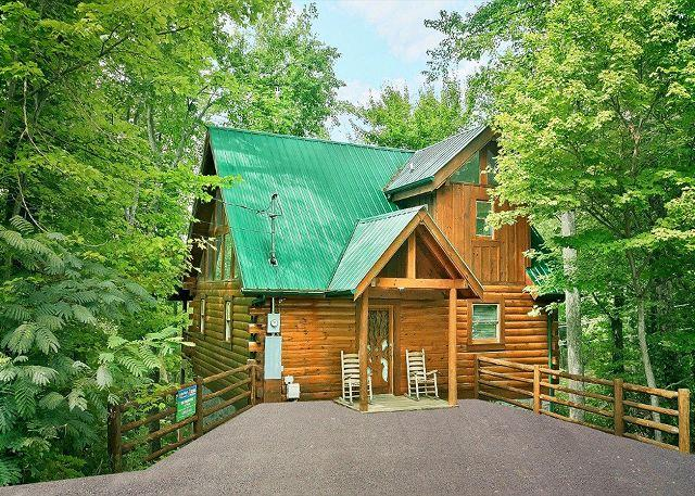 The Treehouse #1708- Front View of the Cabin - Secluded 1 bedroom Log Cabin Sky Harbor Resort Pigeon Forge Gatlinburg TN - Sevierville - rentals