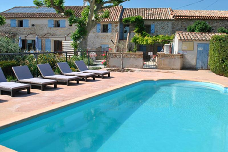 Provence Le Mas des Oliviers the Glycines Gîte, sleeps 5. pool and hot tube 6 places - Image 1 - Richerenches - rentals