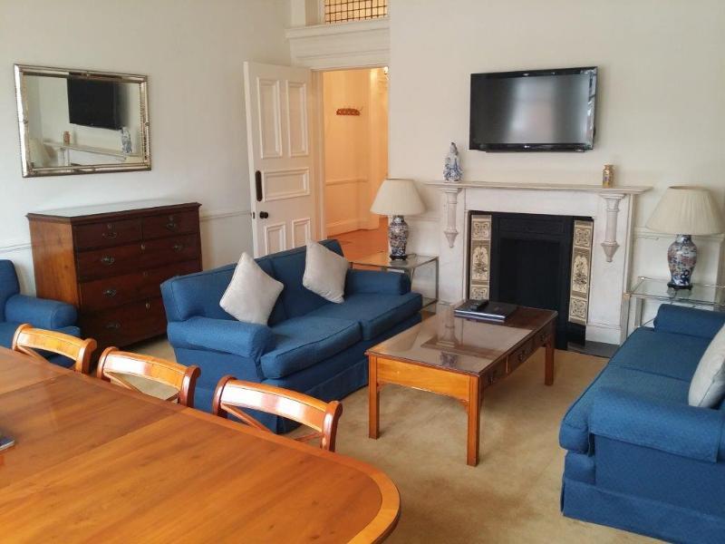 3Bed/2Bath Luxury Apartment in Kensington - Image 1 - London - rentals