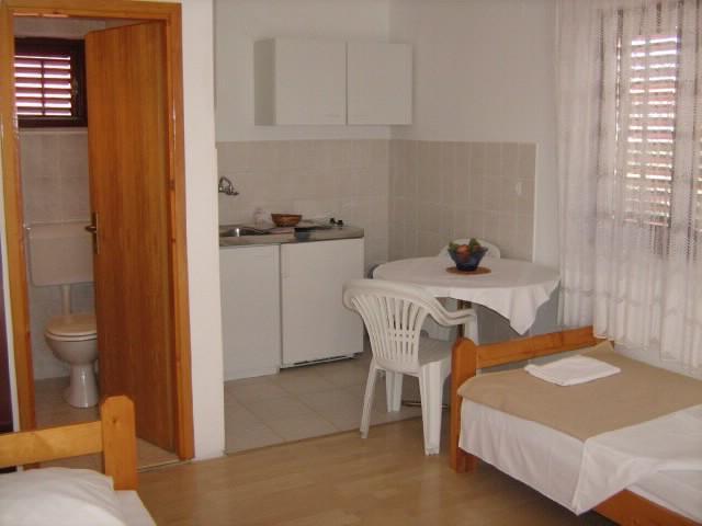 Apartments Jere - 10481-A1 - Image 1 - Rogoznica - rentals