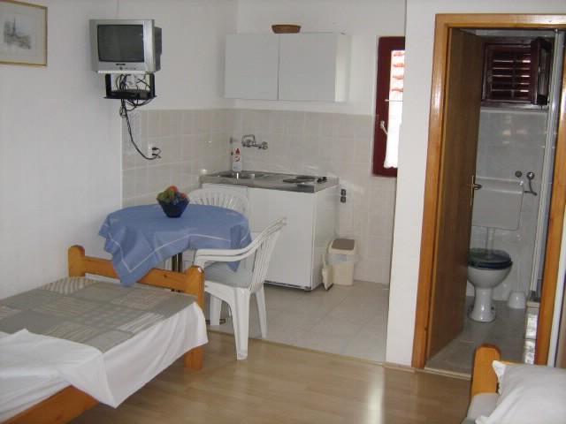 Apartments Jere - 10481-A2 - Image 1 - Rogoznica - rentals