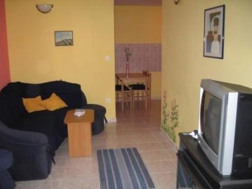 Apartments Aljoša - 10571-A4 - Image 1 - Okrug Gornji - rentals