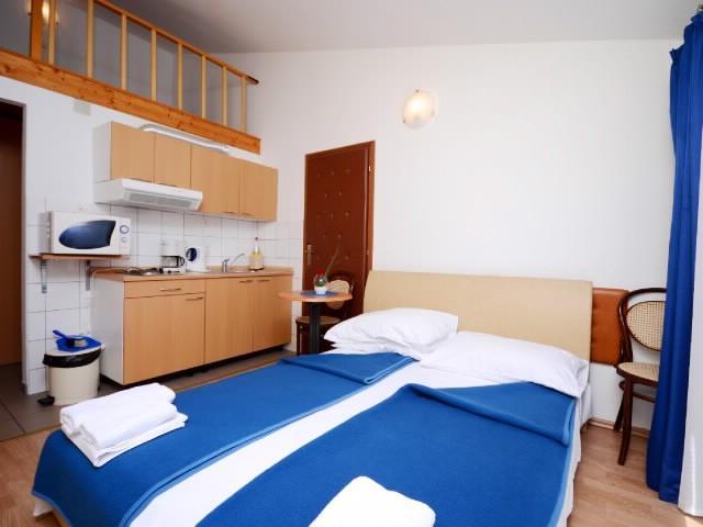 Apartments Slađana - 10911-A12 - Image 1 - Gradac - rentals