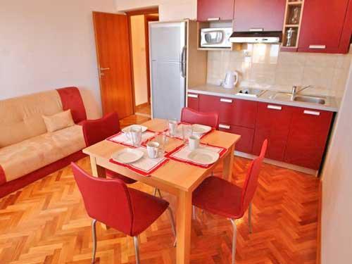 Apartments Jozo - 10921-A4 - Image 1 - Podstrana - rentals