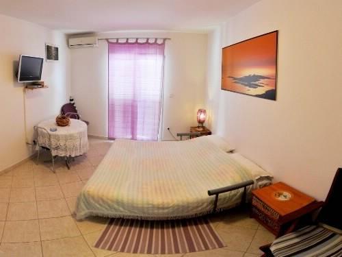 Apartments Mirko - 11041-A3 - Image 1 - Hvar - rentals